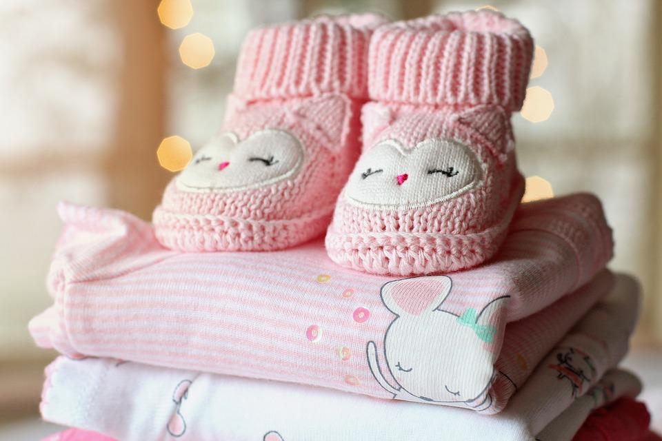Comment choisir les vêtements de bébés ou la jungle des tailles